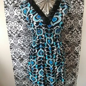 Patterned top with v-neck size S
